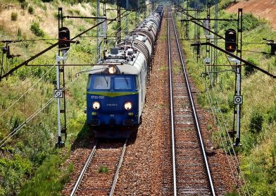 train-1506645_640