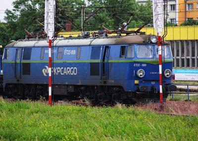 train-2824954_640